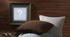 Montagem de fotos com moldura de madeira + almofadas