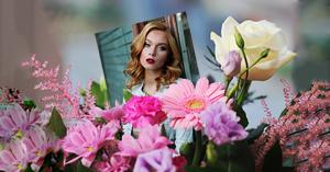 Linda moldura para foto com flores diversas! Adicione sua foto