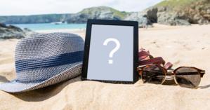 Adicione sua foto preferida, em um porta-retratos na areia da praia