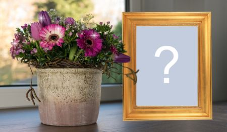 Beautiful frame with a vase full of flowers. Add your own!