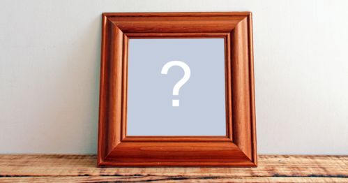 Add your photo in this beautiful, square wooden frame!