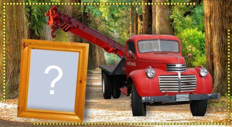 Montagem com quadro de foto sendo carregado no guincho. Faça com sua foto!