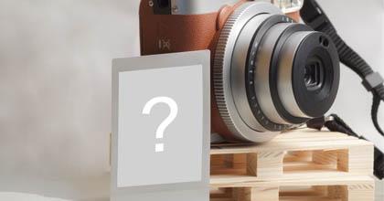 Montagem de foto com camera polaroid. Adicione sua foto!