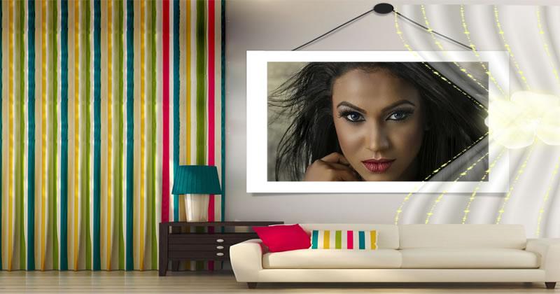 Coloque sua foto na parede desta linda sala de estar!